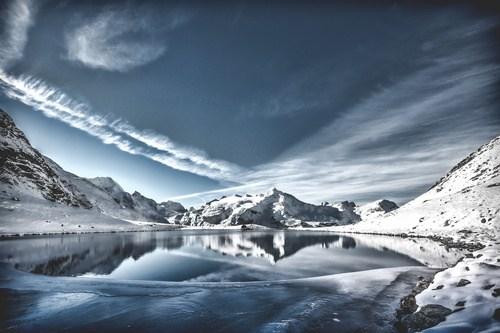 beautiful-mountain-snow-scene-stock-photo-04